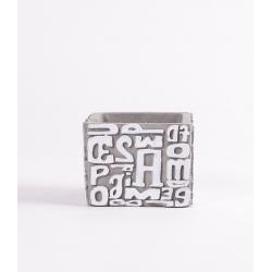 LETTER - Cache Pot Carré Ciment Lettres L9 x H7 cm